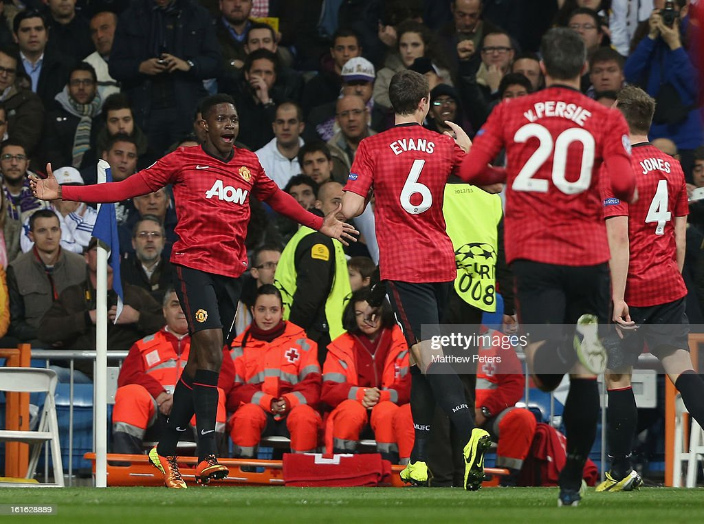 <a gi-track='captionPersonalityLinkClicked' href=/galleries/search?phrase=Danny+Welbeck&family=editorial&specificpeople=4223930 ng-click='$event.stopPropagation()'>Danny Welbeck</a> of Manchester United celebrates scoring their first goal during the UEFA Champions League Round of 16 first leg match between Real Madrid and Manchester United at Estadio Santiago Bernabeu on February 13, 2013 in Madrid, Spain.