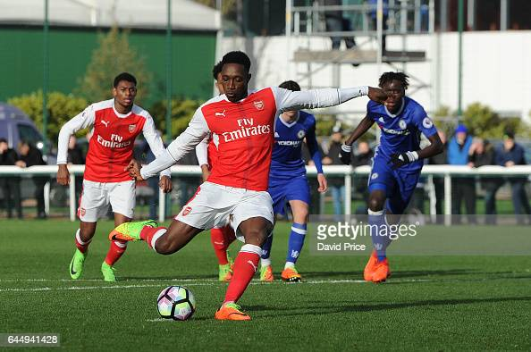 Danny Welbeck scores Arsenal's 4th goal from the penalty spot during the match between Arsenal U23 and Chelsea U23 at London Colney on February 24...