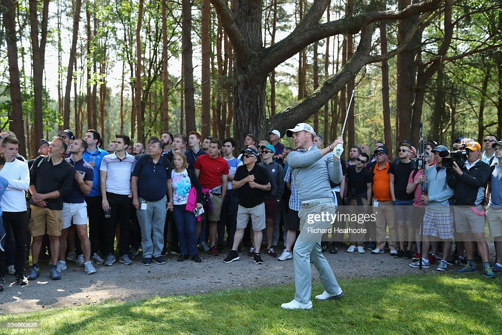 <a gi-track='captionPersonalityLinkClicked' href=/galleries/search?phrase=Danny+Willett&family=editorial&specificpeople=4488861 ng-click='$event.stopPropagation()'>Danny Willett</a> of England hits his an approach on the 13th hole during day two of the BMW PGA Championship at Wentworth on May 27, 2016 in Virginia Water, England.