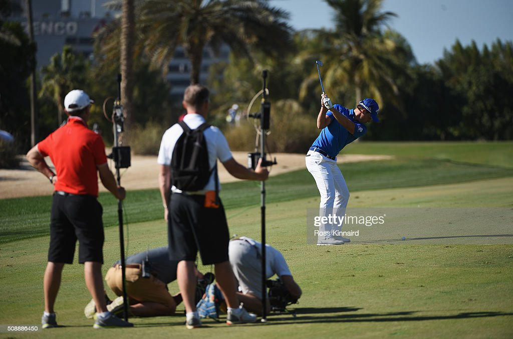 <a gi-track='captionPersonalityLinkClicked' href=/galleries/search?phrase=Danny+Willett&family=editorial&specificpeople=4488861 ng-click='$event.stopPropagation()'>Danny Willett</a> of England hits his second shot on the 12th hole during the final round of the Omega Dubai Desert Classic at the Emirates Golf Club on February 7, 2016 in Dubai, United Arab Emirates.