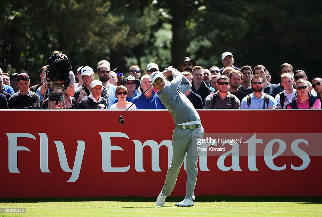 <a gi-track='captionPersonalityLinkClicked' href=/galleries/search?phrase=Danny+Willett&family=editorial&specificpeople=4488861 ng-click='$event.stopPropagation()'>Danny Willett</a> of England tees off on the 12th hole during day two of the BMW PGA Championship at Wentworth on May 27, 2016 in Virginia Water, England.