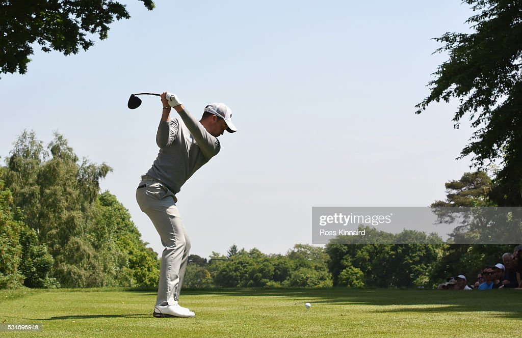 <a gi-track='captionPersonalityLinkClicked' href=/galleries/search?phrase=Danny+Willett&family=editorial&specificpeople=4488861 ng-click='$event.stopPropagation()'>Danny Willett</a> of England tees off on the 17th hole during day two of the BMW PGA Championship at Wentworth on May 27, 2016 in Virginia Water, England.