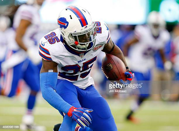 Da'Norris Searcy of the Buffalo Bills in action against the New York Jets on October 26 2014 at MetLife Stadium in East Rutherford New Jersey The...
