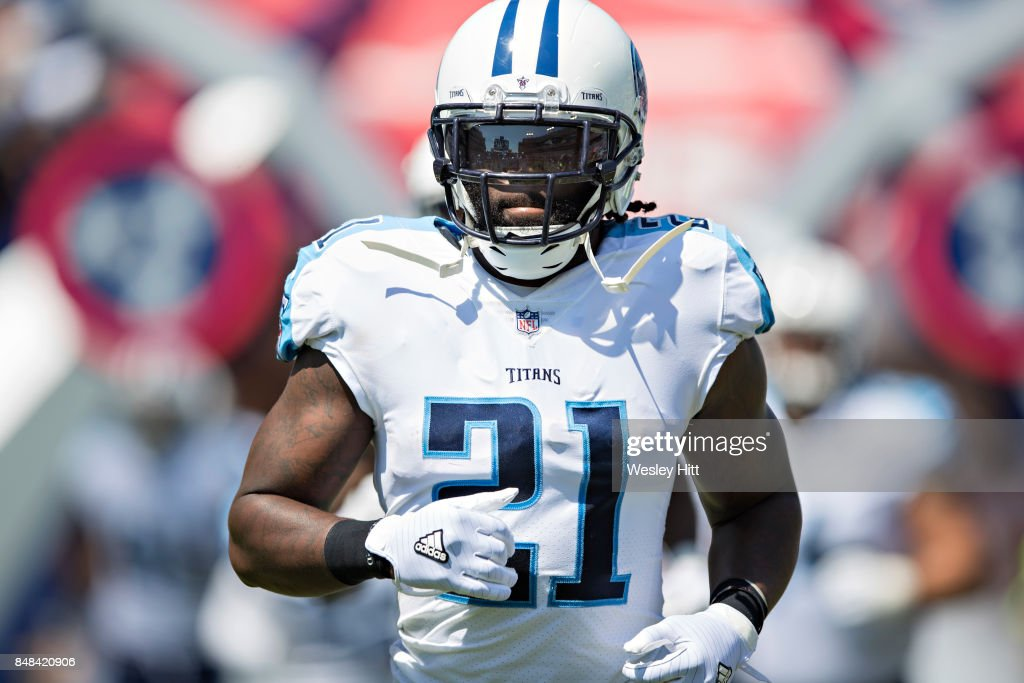 Da'Norris Searcy #21 of the Tennessee Titans runs onto the field before a game against the Oakland Raiders at Nissan Stadium on September 10, 2017 in Nashville, Tennessee. The Raiders defeated the Titans 26-16.