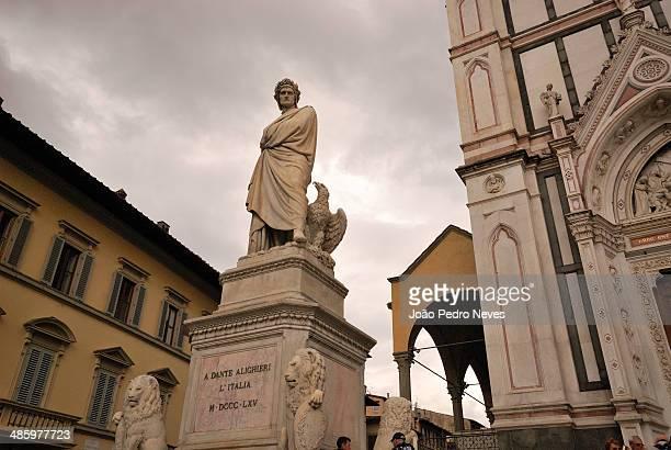 Dante Alighieri's statue