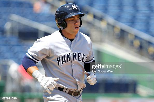 Dante Bichette Jr of the Yankees hustles down to first base during the Florida State League game between the Tampa Yankees and the Clearwater...