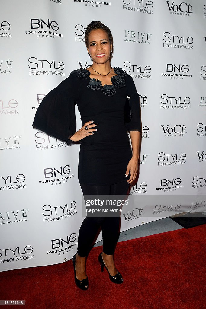 <a gi-track='captionPersonalityLinkClicked' href=/galleries/search?phrase=Daphne+Wayans&family=editorial&specificpeople=4878193 ng-click='$event.stopPropagation()'>Daphne Wayans</a> arrives to Day By Day Clothing Spring 2014 Collection Fashion Show at L.A. Live Event Deck on October 15, 2013 in Los Angeles, California.