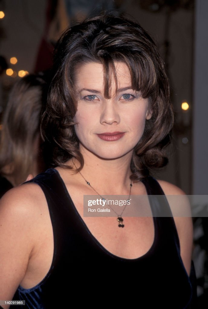 Daphne Zuniga official website