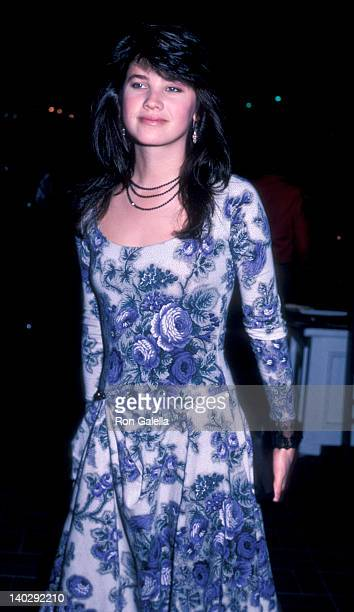 Daphne Zuniga at the Premiere of 'The Color of Money' Avco Cinema Westwood