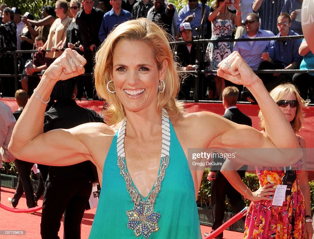 <a gi-track='captionPersonalityLinkClicked' href=/galleries/search?phrase=Dara+Torres&family=editorial&specificpeople=2419430 ng-click='$event.stopPropagation()'>Dara Torres</a> arrives at the 2010 ESPY Awards at the Nokia Theatre L.A. Live on July 14, 2010 in Los Angeles, California.