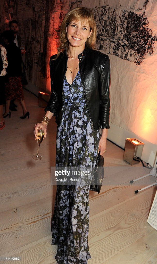 <a gi-track='captionPersonalityLinkClicked' href=/galleries/search?phrase=Darcey+Bussell&family=editorial&specificpeople=533049 ng-click='$event.stopPropagation()'>Darcey Bussell</a> attends the 'Arts For Life' charity auction hosted by Susan Hayden, Nadja Swarovski and Natalia Vodianova to raise funds for Borne, a research programme on premature birth, at the Saatchi Gallery on June 24, 2013 in London, England.
