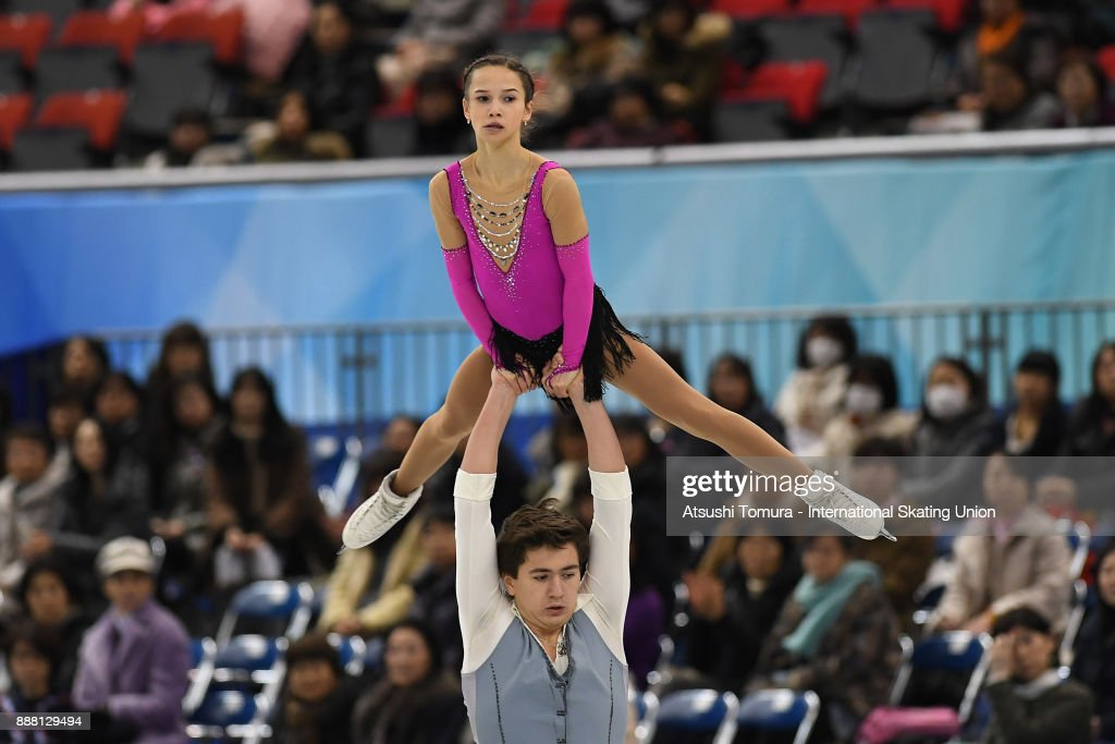 Парное катание - Страница 5 Daria-pavliuchenko-and-denis-khodykin-of-russia-compete-in-the-junior-picture-id888129494