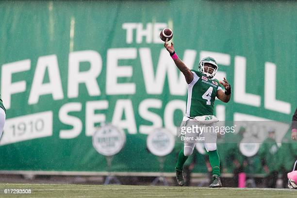Darian Durant of the Saskatchewan Roughriders throws a pass in the game between the Montreal Alouettes and Saskatchewan Roughriders at Mosaic Stadium...