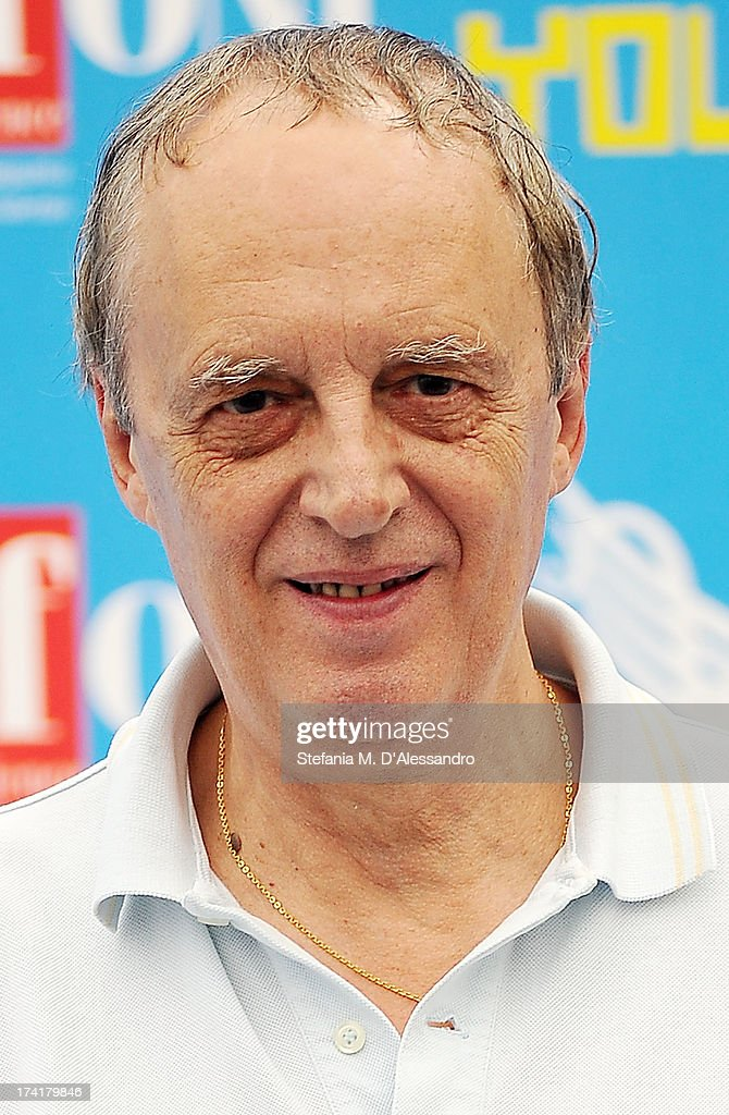 <a gi-track='captionPersonalityLinkClicked' href=/galleries/search?phrase=Dario+Argento&family=editorial&specificpeople=4294495 ng-click='$event.stopPropagation()'>Dario Argento</a> attends 2013 Giffoni Film Festival photocall on July 21, 2013 in Giffoni Valle Piana, Italy.