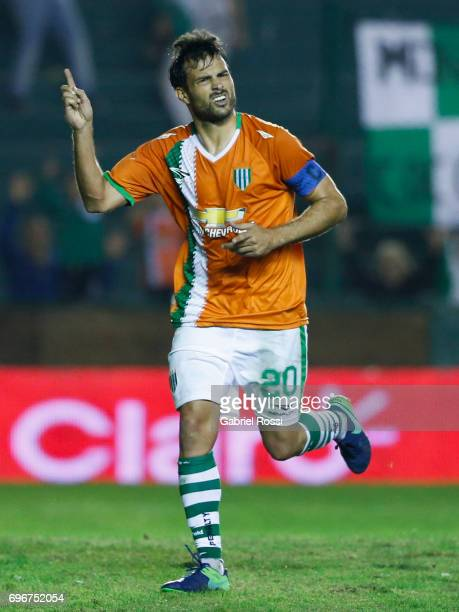 Dario Cvitanich of Banfield celebrates after scoring the third goal of his team during a match between Banfield and Rosario Central as part of Torneo...