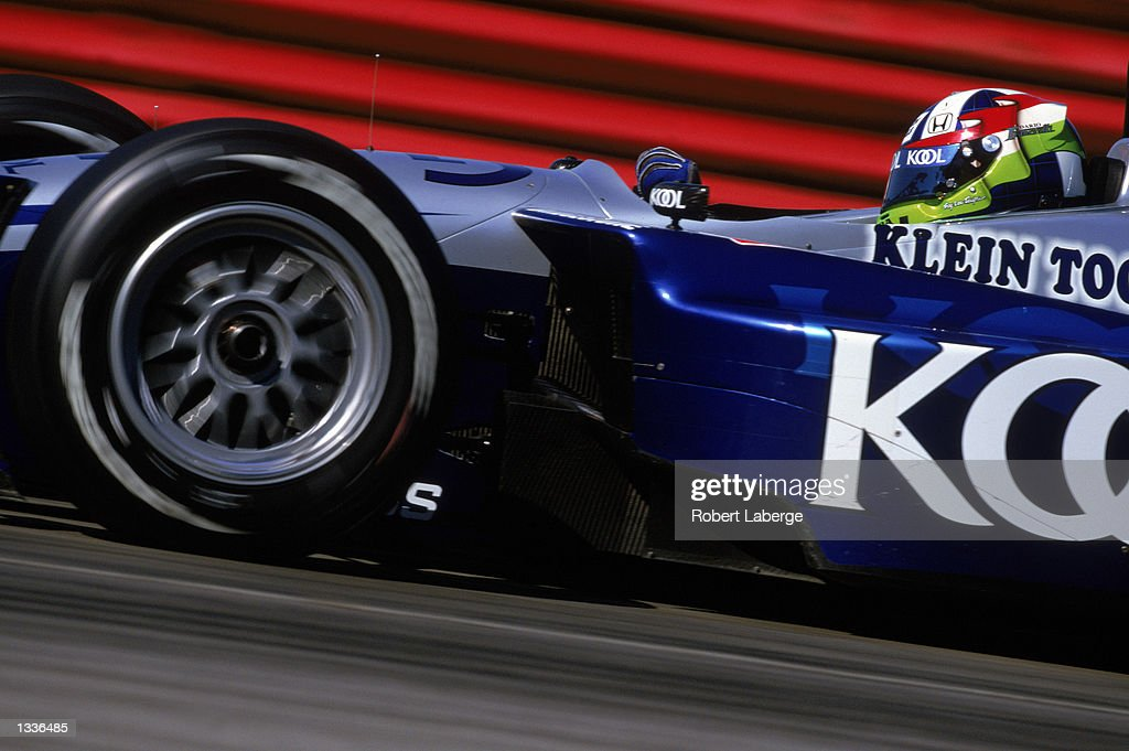 Dario Franchitti #27 drives his Team Kool Green Honda Lola during the CART Grand Prix of Mid-Ohio, round 11 of the CART Fed Ex Championship Series, at the Mid-Ohio Sports Car Course in Lexington, Ohio on August 10, 2002. (Photo by Robert Laberge /Getty Images).
