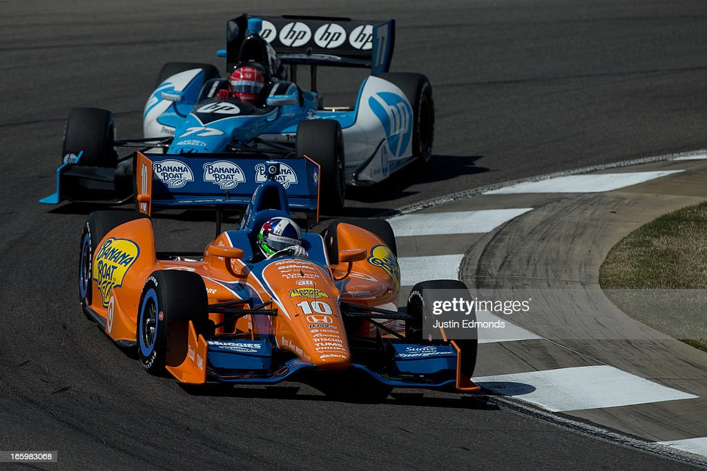 <a gi-track='captionPersonalityLinkClicked' href=/galleries/search?phrase=Dario+Franchitti&family=editorial&specificpeople=171306 ng-click='$event.stopPropagation()'>Dario Franchitti</a> of Scotland, driver of the #10 Target Chip Ganassi Banana Boat Honda leads Simon Pagenaud of France, driver of the #77 Schmidt Hamilton HP Motorsports Honda during the Honda Indy Grand Prix of Alabama at Barber Motorsports Park on April 7, 2013 in Birmingham, Alabama.