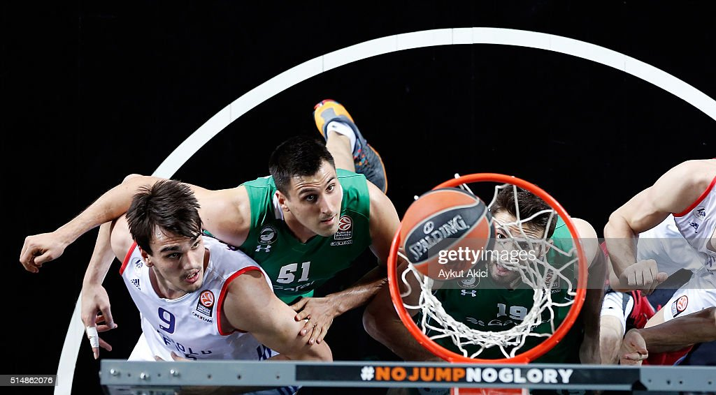 Dario Saric #9 of Anadolu Efes Istanbul in action during the 20152016 Turkish Airlines Euroleague Basketball Top 16 Round 10 game between Darussafaka...