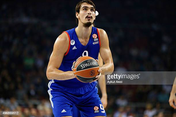 Dario Saric #9 of Anadolu Efes Istanbul in action during the Turkish Airlines Euroleague Regular Season date 5 game between Anadolu Efes Istanbul v...