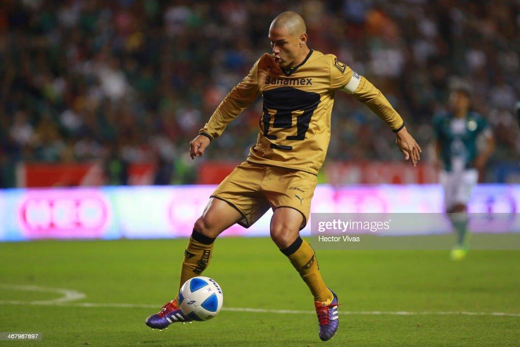 Leon v Pumas UNAM - Clausura 2014 Liga MX