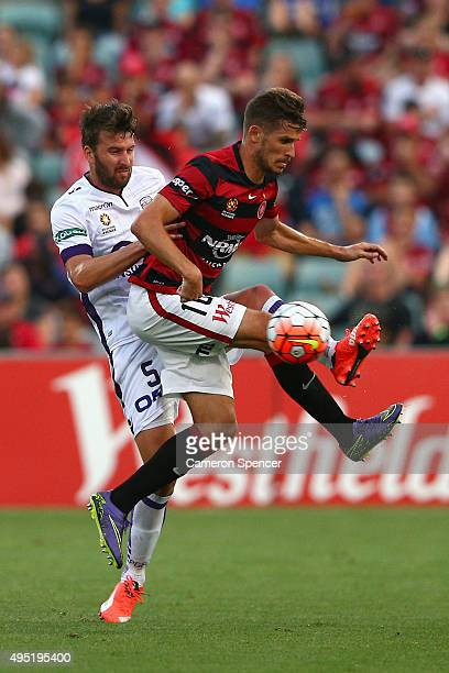 Dario Vidosic of the Wanderers kicks during the round four ALeague match between the Western Sydney Wanderers and Perth Glory at Pirtek Stadium on...