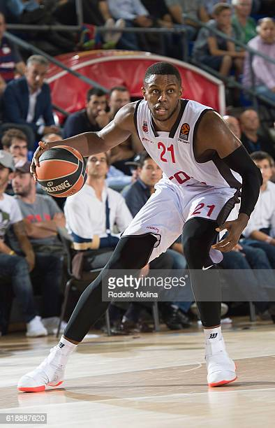 Darius Miller #21 of Brose Bamberg in action during the 2016/2017 Turkish Airlines EuroLeague Regular Season Round 4 game between FC Barcelona Lassa...