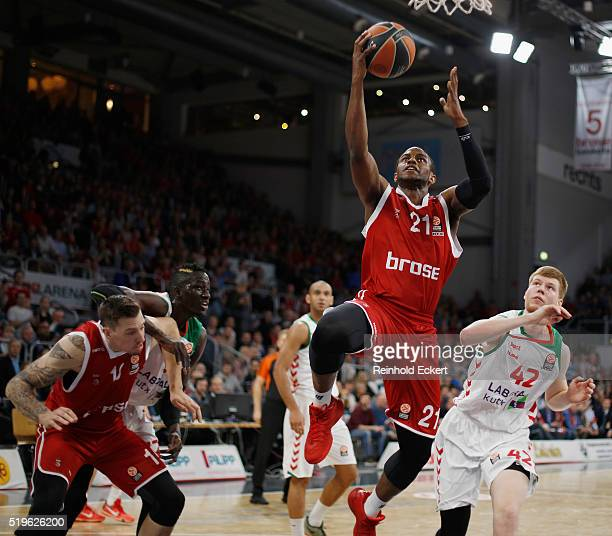 Darius Miller #21 of Brose Baskets Bamberg competes with Davis Bertans #42 of Laboral Kutxa Vitoria Gasteiz in action during the 20152016 Turkish...