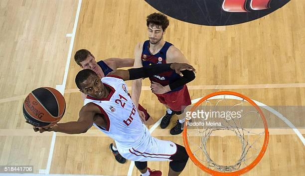 Darius Miller #21 of Brose Baskets Bamberg in action during the 20152016 Turkish Airlines Euroleague Basketball Top 16 Round 13 game between FC...