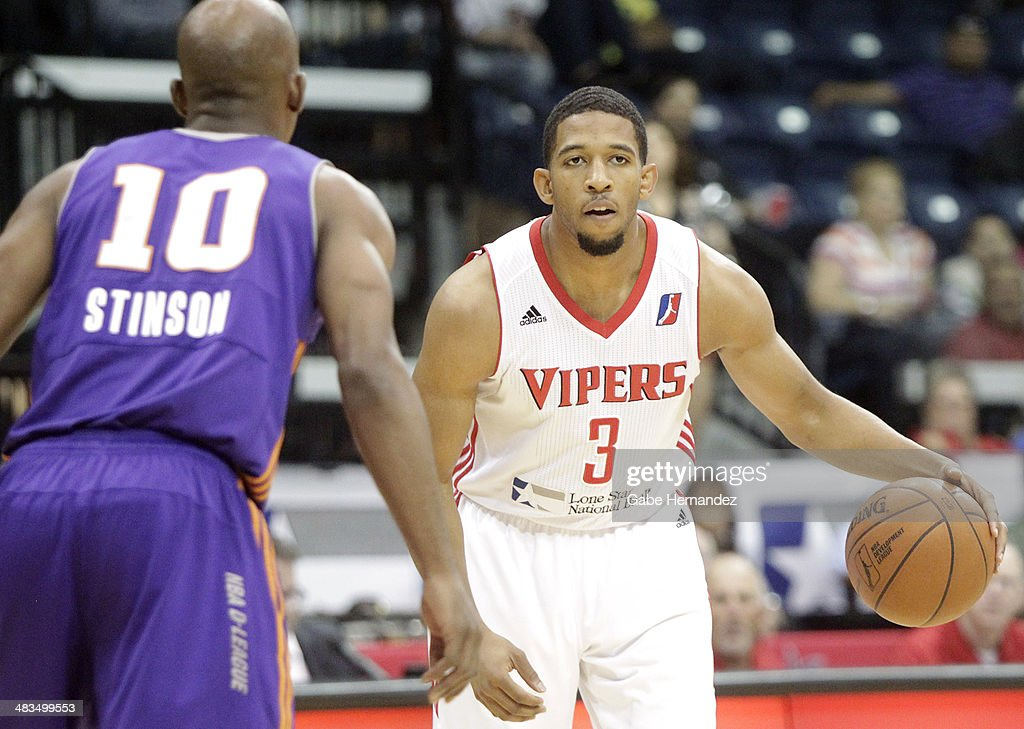 Darius Morris #3 of the Rio Grande Valley Vipers looks to pass against <a gi-track='captionPersonalityLinkClicked' href=/galleries/search?phrase=Curtis+Stinson&family=editorial&specificpeople=234919 ng-click='$event.stopPropagation()'>Curtis Stinson</a> #10 of the Iowa Energy on April 8, 2014 during game one first round of the 2014 NBA-Development League playoffs at the State Farm Arena in Hidalgo, Texas.