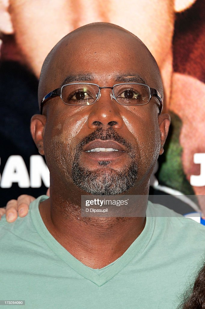 <a gi-track='captionPersonalityLinkClicked' href=/galleries/search?phrase=Darius+Rucker&family=editorial&specificpeople=215161 ng-click='$event.stopPropagation()'>Darius Rucker</a> attends the 'Grown Ups 2' New York Premiere at AMC Lincoln Square Theater on July 10, 2013 in New York City.