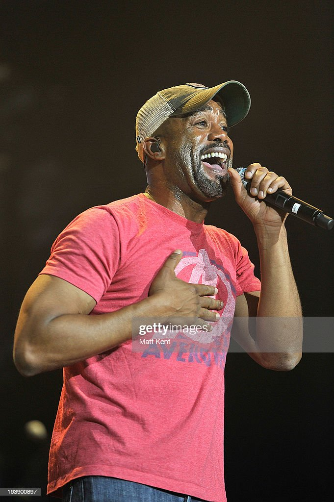 <a gi-track='captionPersonalityLinkClicked' href=/galleries/search?phrase=Darius+Rucker&family=editorial&specificpeople=215161 ng-click='$event.stopPropagation()'>Darius Rucker</a> performs as part of the Country 2 Country tour at O2 Arena on March 17, 2013 in London, England.