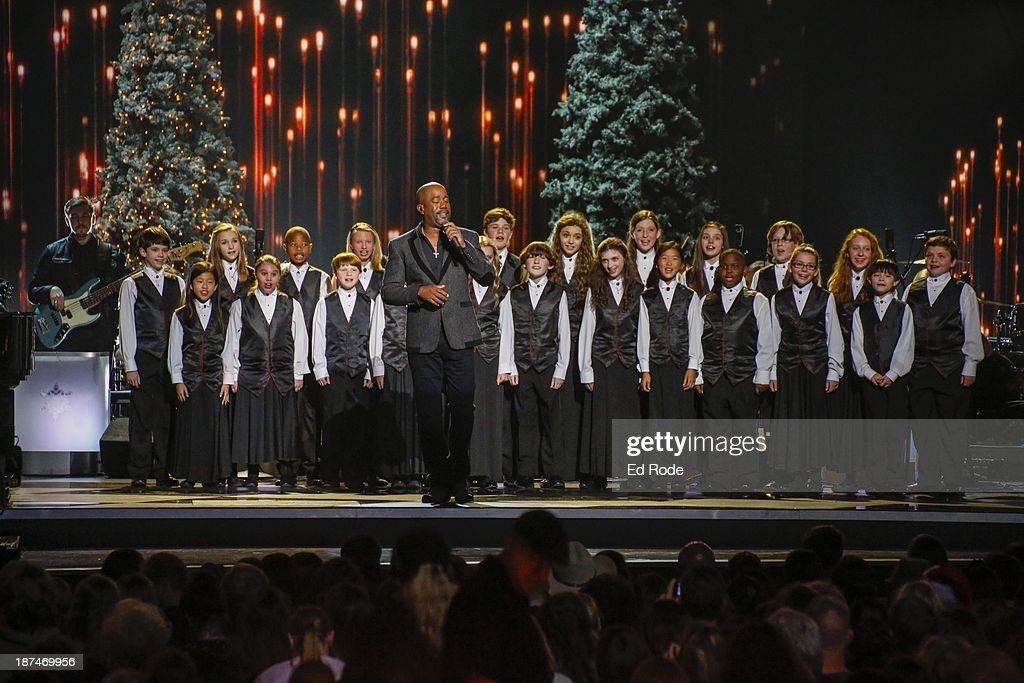<a gi-track='captionPersonalityLinkClicked' href=/galleries/search?phrase=Darius+Rucker&family=editorial&specificpeople=215161 ng-click='$event.stopPropagation()'>Darius Rucker</a> performs during the CMA 2013 Country Christmas on November 8, 2013 in Nashville, Tennessee.
