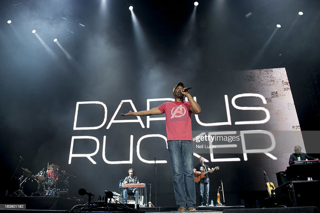<a gi-track='captionPersonalityLinkClicked' href=/galleries/search?phrase=Darius+Rucker&family=editorial&specificpeople=215161 ng-click='$event.stopPropagation()'>Darius Rucker</a> performs on stage on Day 2 of C2C: Country To Country Festival 2013 at O2 Arena on March 17, 2013 in London, England.