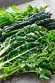 Verde oscuro verduras de hojas verdes
