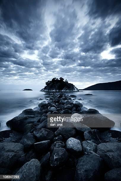 Sombre parcours de l'île