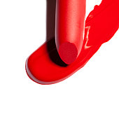 Very beautiful and contrasting trail from red lipstick.