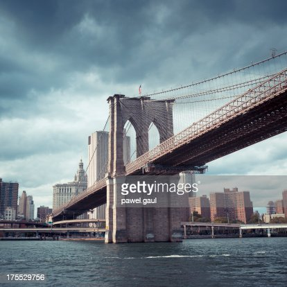 Dark sky over Brooklyn bridge