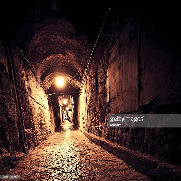 tunnel scuro