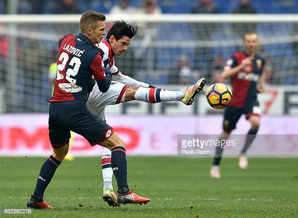 Darko Lazovic of Genoa fights with Adrian Marius Stoian of Crotone during the Serie A match between Genoa CFC and FC Crotone at Stadio Luigi Ferraris...