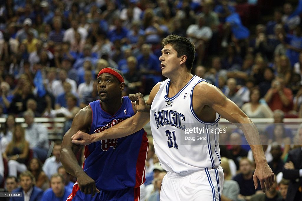 Darko Milicic #31 of the Orlando Magic and Chris Webber #84 of the Detroit Pistons battle for position in Game Four of the Eastern Conference Quarterfinals during the 2007 NBA Playoffs at Amway Arena on April 28, 2007 in Orlando, Florida. The Pistons won 97-93 and won the series 4-0.
