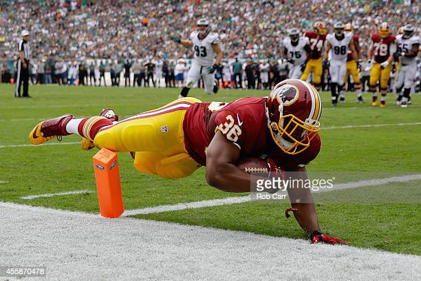 Darrel Young of the Washington Redskins scores a first quarter touchdown against the Philadelphia Eagles at Lincoln Financial Field on September 21...
