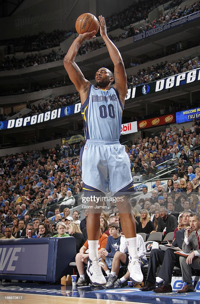 Darrell Arthur #00 of the Memphis Grizzlies shoots a jumper against the Dallas Mavericks on January 12, 2013 at the American Airlines Center in Dallas, Texas.