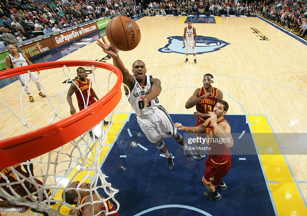 <a gi-track='captionPersonalityLinkClicked' href=/galleries/search?phrase=Darrell+Arthur&family=editorial&specificpeople=4102032 ng-click='$event.stopPropagation()'>Darrell Arthur</a> #00 of the Memphis Grizzlies shoots against <a gi-track='captionPersonalityLinkClicked' href=/galleries/search?phrase=Omri+Casspi&family=editorial&specificpeople=2298404 ng-click='$event.stopPropagation()'>Omri Casspi</a> #36 of the Cleveland Cavaliers on November 26, 2012 at FedExForum in Memphis, Tennessee.