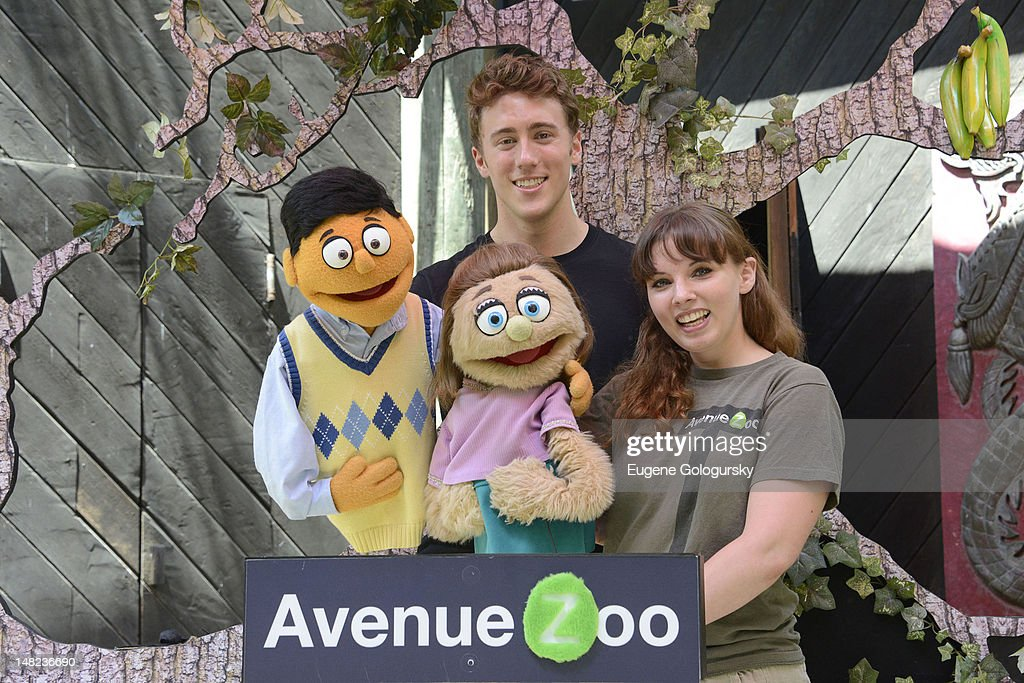 Darren Bluestone and Kate Lippstreu visit the Bronx Zoo on July 12, 2012 in New York City.