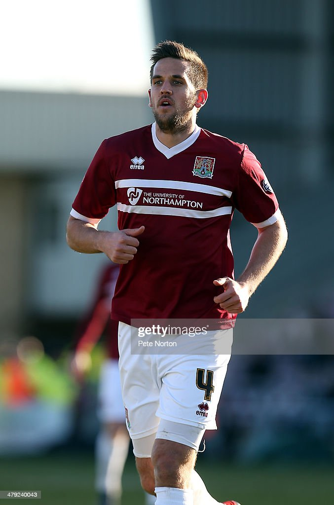 <a gi-track='captionPersonalityLinkClicked' href=/galleries/search?phrase=Darren+Carter+-+Soccer+Player&family=editorial&specificpeople=4520776 ng-click='$event.stopPropagation()'>Darren Carter</a> of Northampton Town in action during the Sky Bet League Two match between Northampton Town and Mansfield Town at Sixfields on March 15, 2014 in Northampton, England.