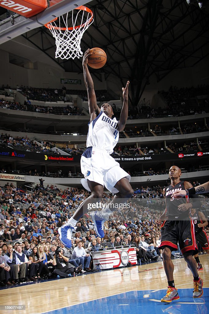 <a gi-track='captionPersonalityLinkClicked' href=/galleries/search?phrase=Darren+Collison&family=editorial&specificpeople=699031 ng-click='$event.stopPropagation()'>Darren Collison</a> #4 of the Dallas Mavericks drives to the basket against the Miami Heat on December 20, 2012 at the American Airlines Center in Dallas, Texas.