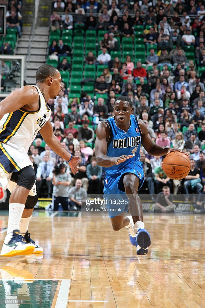 <a gi-track='captionPersonalityLinkClicked' href=/galleries/search?phrase=Darren+Collison&family=editorial&specificpeople=699031 ng-click='$event.stopPropagation()'>Darren Collison</a> #4 of the Dallas Mavericks drives to the basket against the Utah Jazz on January 7, 2013 in Salt Lake City, Utah.