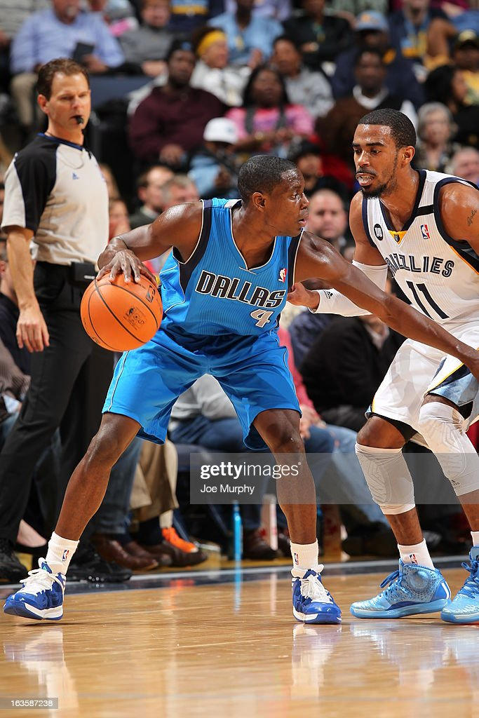 <a gi-track='captionPersonalityLinkClicked' href=/galleries/search?phrase=Darren+Collison&family=editorial&specificpeople=699031 ng-click='$event.stopPropagation()'>Darren Collison</a> #4 of the Dallas Mavericks handles the ball against Mike Conley #11 of the Memphis Grizzlies on February 27, 2013 at FedExForum in Memphis, Tennessee.