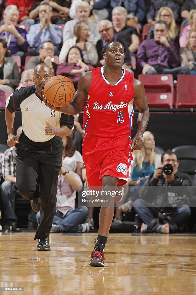 <a gi-track='captionPersonalityLinkClicked' href=/galleries/search?phrase=Darren+Collison&family=editorial&specificpeople=699031 ng-click='$event.stopPropagation()'>Darren Collison</a> #2 of the Los Angeles Clippers brings the ball up the court against the Sacramento Kings on October 14, 2013 at Sleep Train Arena in Sacramento, California.