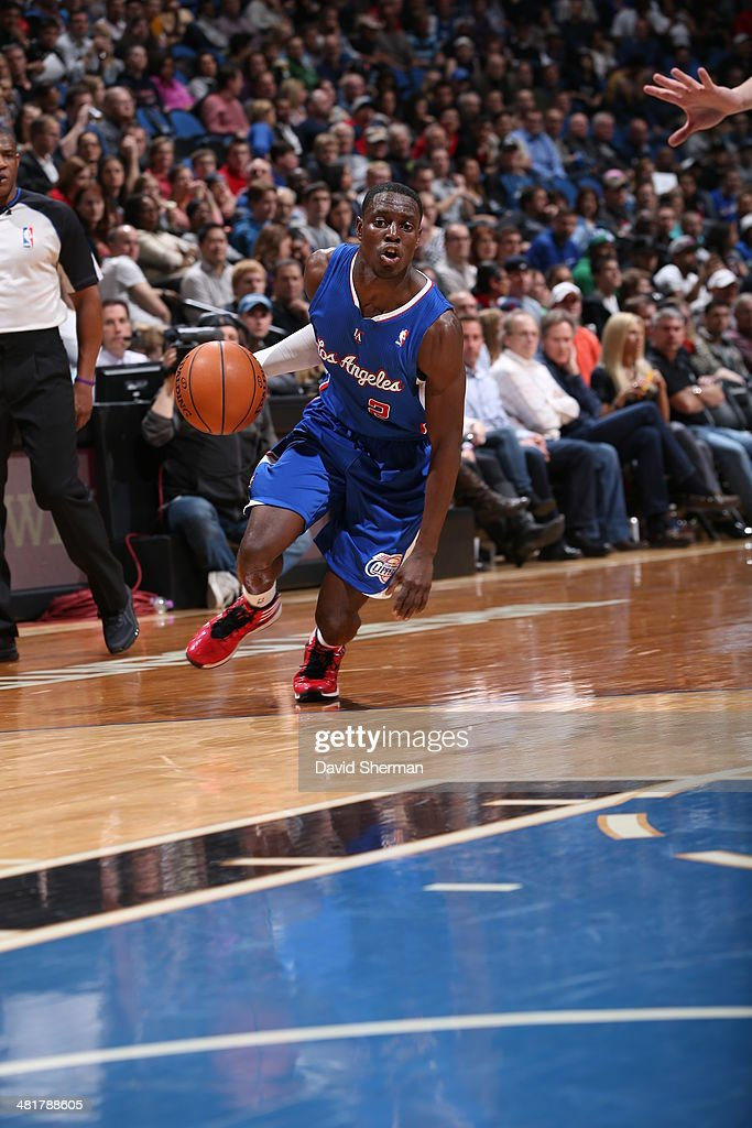 Darren Collison #2 of the Los Angeles Clippers drives against the Minnesota Timberwolves on March 31, 2014 at Target Center in Minneapolis, Minnesota.